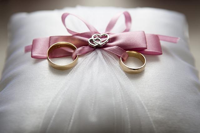 wedding-688924_640