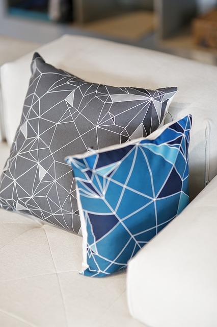 pillows-791906_640