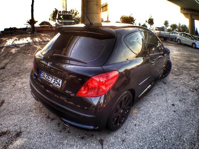 car-499686_640